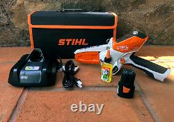 STIHL GTA 26 Handheld Pruner Chainsaw Battery Powered with carry case with 3 chains